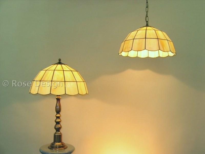 Globe, Rose Design Tiffany hang of tafellamp.