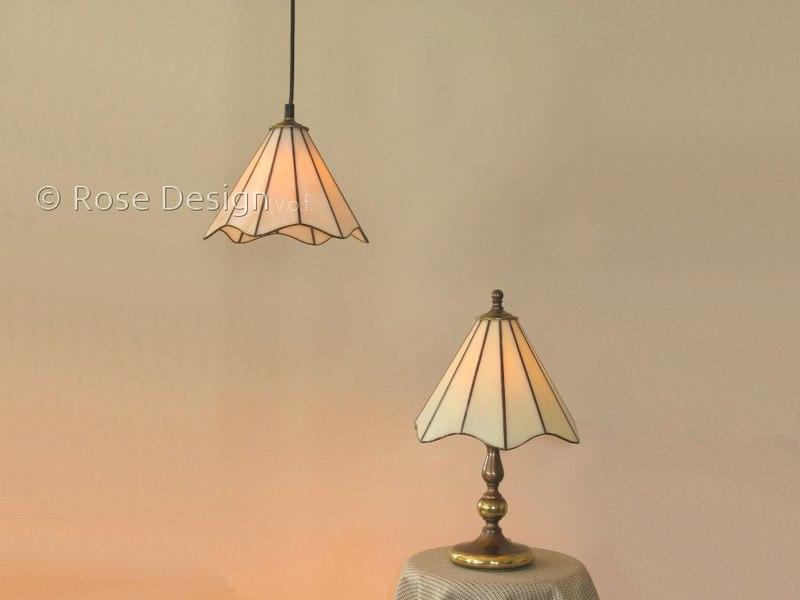 Lelie, een Rose Design Tiffany hang of tafellamp.