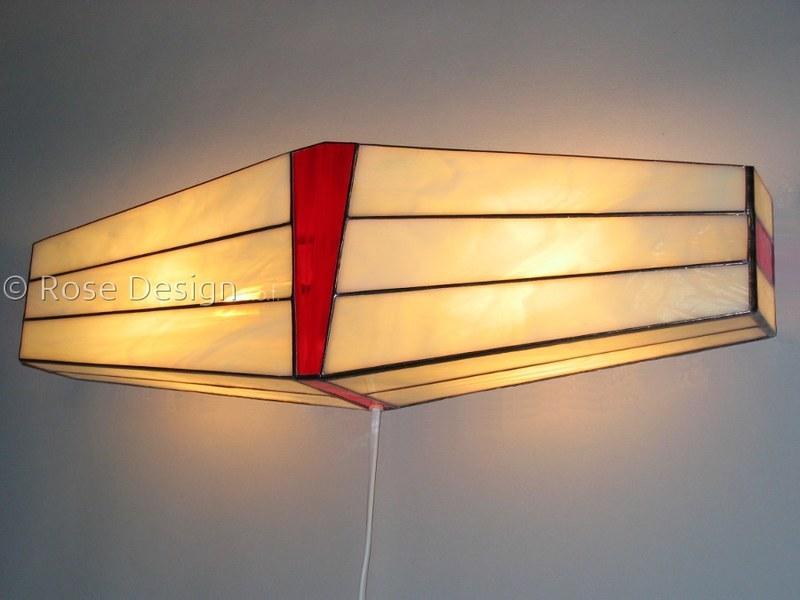 Wing, een Rose design Tiffany wandlampe
